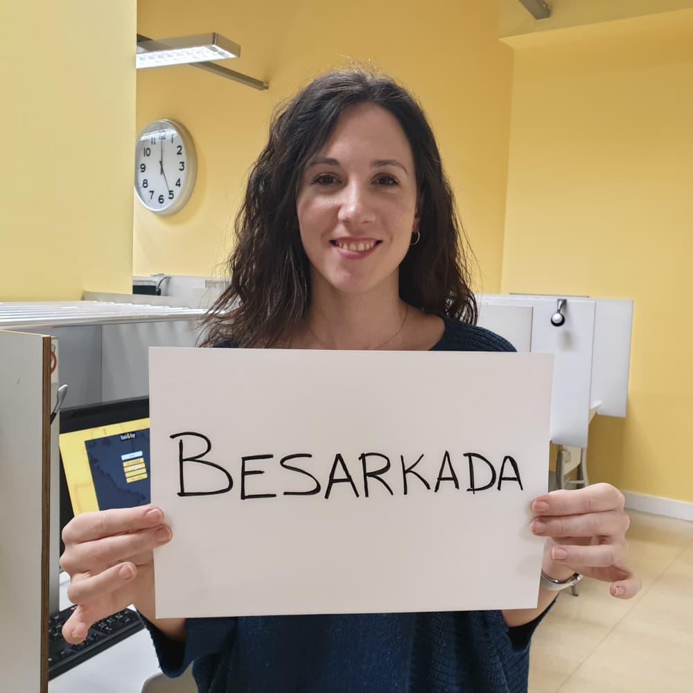 Euskal hiztegia - Besarkada